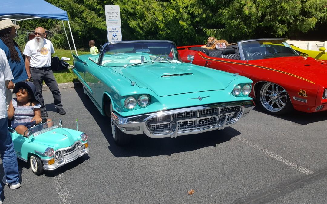 BEST 60'S- Reggie Moore- 1960 Ford Thunderbird