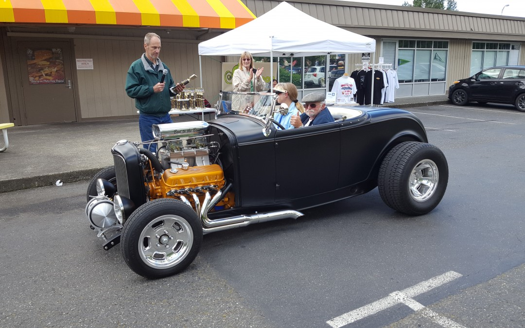 BEST HOT ROD- George & Lori Tyler- 1932 Ford Roadster